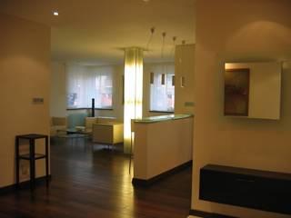 mieszkanie 02: styl , w kategorii Salon zaprojektowany przez ARTEFEKT