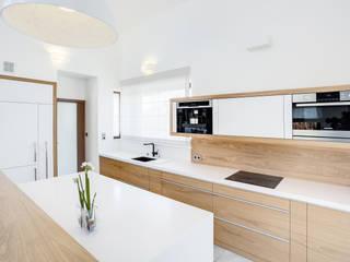 Cocinas escandinavas de DK architektura wnętrz Escandinavo
