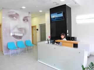 klinika stomatologiczna Nowak&Sienkiewicz: styl , w kategorii Kliniki zaprojektowany przez ARTEFEKT