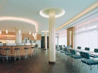 Bares y Clubs de estilo  de Werkstätte Berndt GmbH