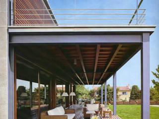 Artigas Arquitectes Balcones y terrazas modernos