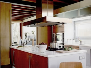 Artigas Arquitectes Modern kitchen