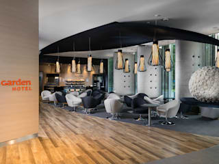 Hotel Sound Garden od T3 Studio Nowoczesny