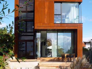 Rosty Minimalistische Häuser von Architekt Zoran Bodrozic Minimalistisch