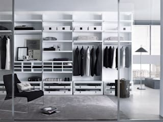 White walk in wardrobe Lamco Design LTD Vestidores y closetsArmarios y cómodas