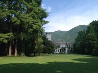 l'area di intervento: parco storico Villa Erba a Cernobbio:  in stile  di GREENCURE - landscape & healing gardens