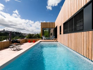 Modern Pool by Hugues TOURNIER Architecte Modern