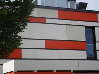 Escuelas de estilo  por Spiegel Fassadenbau