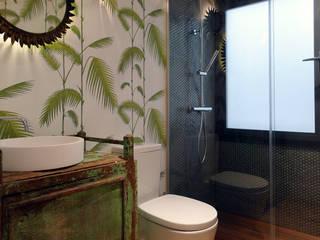 Baño : Baños de estilo  de B-mice Design + Architecture