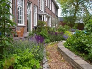 Gunneweg & Burg Classic style garden