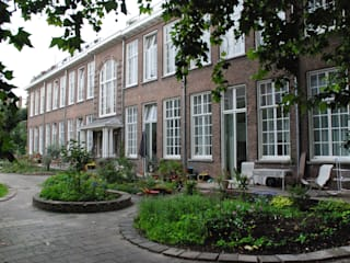 Gunneweg & Burg Casas de estilo clásico