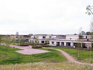 Gunneweg & Burg Casas de estilo moderno