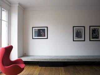 Modern Living Room by Antonio Virga Architecte Modern