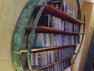 Audiothèque pour Compact Discs - vue de profil:  de style tropical par Jean Zündel meubles rares, Tropical