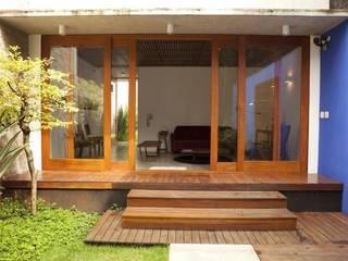 บ้านและที่อยู่อาศัย by Ana Sawaia Arquitetura