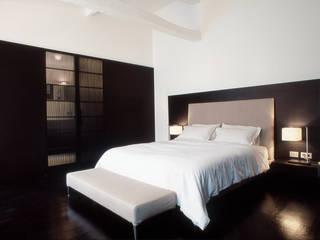 Modern Bedroom by Antonio Virga Architecte Modern