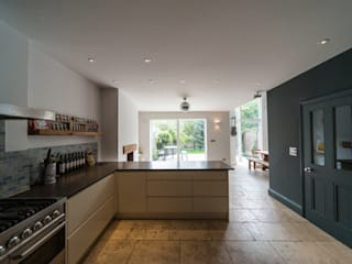 Muswell Hill Moderne Küchen von Goldsmith Architects Modern