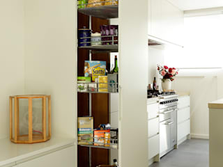 Open-Plan Kitchen/Living Room, Ladbroke Walk, London :  Kitchen by Cue & Co of London