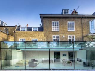 Barnes, London Minimalistyczny ogród zimowy od Maxlight Minimalistyczny