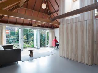 Living room by UMBAarchitecten
