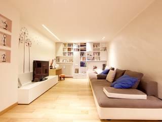Living room by Modularis Progettazione e Arredo