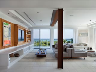 Cobertura Vista, Barra da Tijuca, Rio de Janeiro: Salas de estar  por Paula Neder Arquitetos Associados / Studio PN