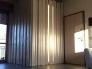 Armadio interno appartamento:  in stile  di Carretti geom. Matteo