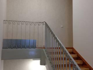 estudio551 Classic corridor, hallway & stairs