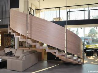 Faltwerktreppe als Bausatzsystem : moderne Wohnzimmer von STREGER Massivholztreppen GmbH