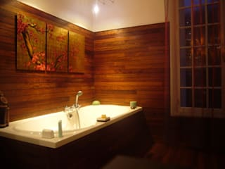 Salle de bain Teck:  de style tropical par CAYBO, Tropical