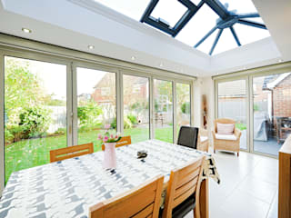Aluminium orangery with bi fold doors Modern conservatory by ROCOCO Modern
