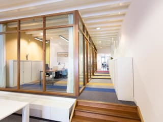 Modern office buildings by ontwerpplek, interieurarchitectuur Modern
