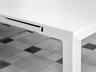 TABLE FOR TOOLS  BY KATRIEN VAN HULLE & SIEGFRIED DE BUCK:   door colect