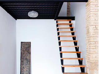 Eclectic style corridor, hallway & stairs by osb arquitectos Eclectic