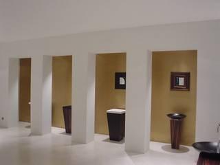 SHOWROOM EN BARCELONA RIART I ASSOCIATS Espacios comerciales de estilo minimalista