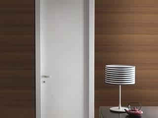 Modello Diana - finitura laminato frassino laccato bianco opaco di PIETRELLI PORTE Moderno