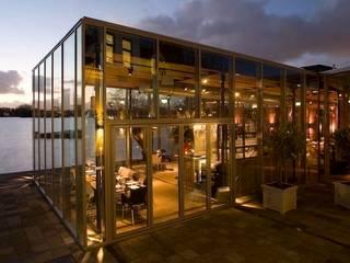 Cafe & Restaurant de Tuin de 4 windstreken:  Bars & clubs door BNB architecten, Industrieel