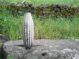 Vaso Naked di raku forme e pensieri Moderno