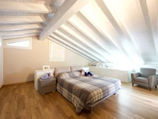 Modern Bedroom by Modularis Progettazione e Arredo Modern