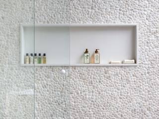 ANGELA MEZA ARQUITETURA & INTERIORES Ванна кімната