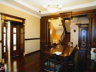 Мебельная мастерская Александра Воробьева ห้องทานข้าวของประดับและอุปกรณ์จิปาถะ