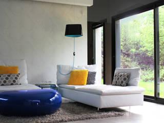 SALON: Salon de style de style Moderne par CTERRA - Crystelle Terrasson