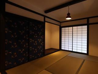 京唐紙が空間のコアに: 安井正/クラフトサイエンスが手掛けたアートです。