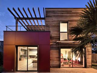 Casas de estilo  de HELENE LAMBOLEY ARCHITECTE DPLG, Moderno