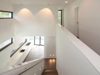 Küche L.: moderne Küche von rother küchenkonzepte + möbeldesign Gmbh