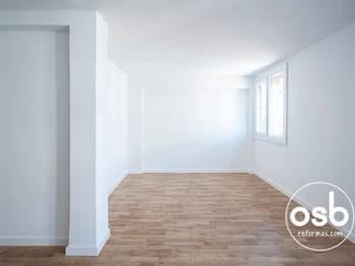 Minimalist living room by osb arquitectos Minimalist