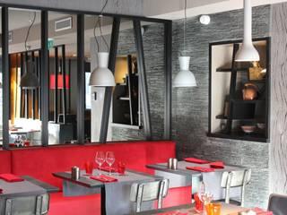 Restaurant L'Atelier: Restaurants de style  par CTERRA - Crystelle Terrasson