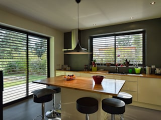 Dapur oleh HELENE LAMBOLEY ARCHITECTE DPLG, Modern