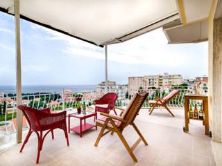 Minimalistischer Balkon, Veranda & Terrasse von Filippo Fassio Architetto Minimalistisch