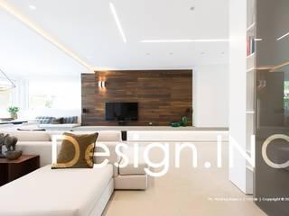 IN-OUT Soggiorno moderno di Design.inc Moderno